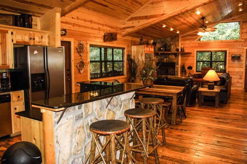 Beavers Bend Lodging Kitchen 2