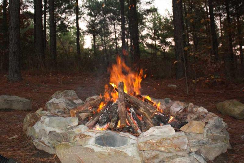 Beavers Bend Lodging Firepit