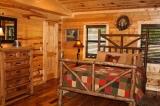 Beavers Bend Lodging Bedroom3